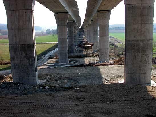 pervonachalno-svai-ispolzovalis-tolko-dlya-vozvedeniya-mostov